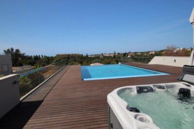 Luxury 4 bedroom villa with sea views in Carvoeiro
