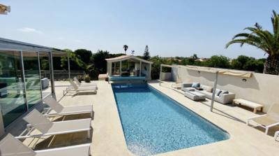Four bedroom villa close to the beach