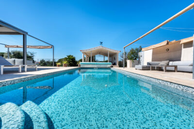 Four bedroom villa close to the beach