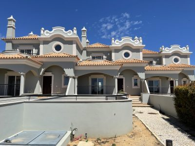 New three bedroom towhouse with pool